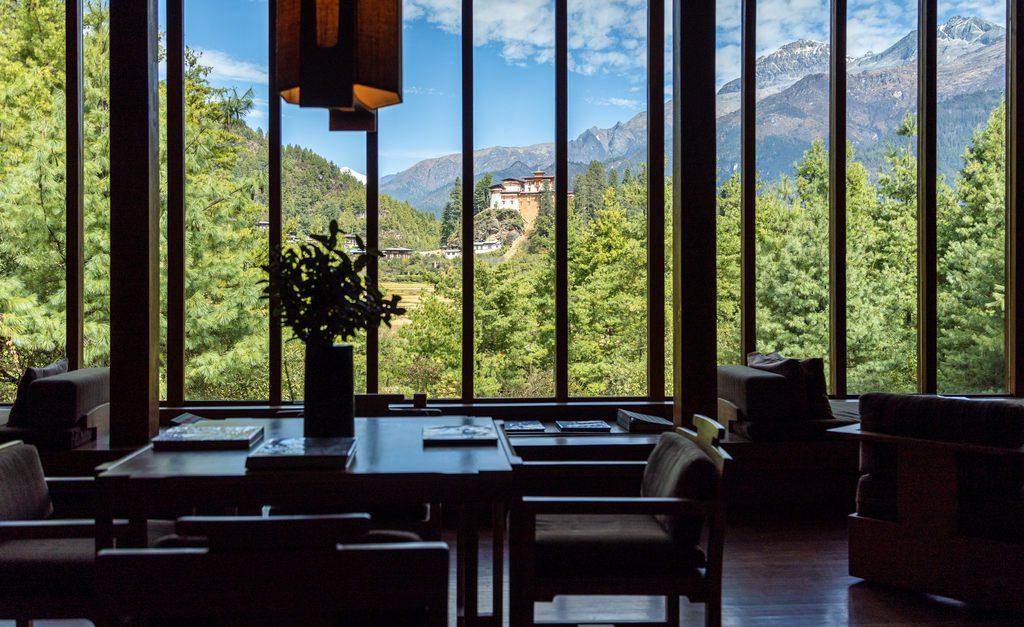 podroz-do-bhutanu-hotel-z-widokiem-na-swiatynie-wyrusz-w-zyciowa-podroz-soul-travel