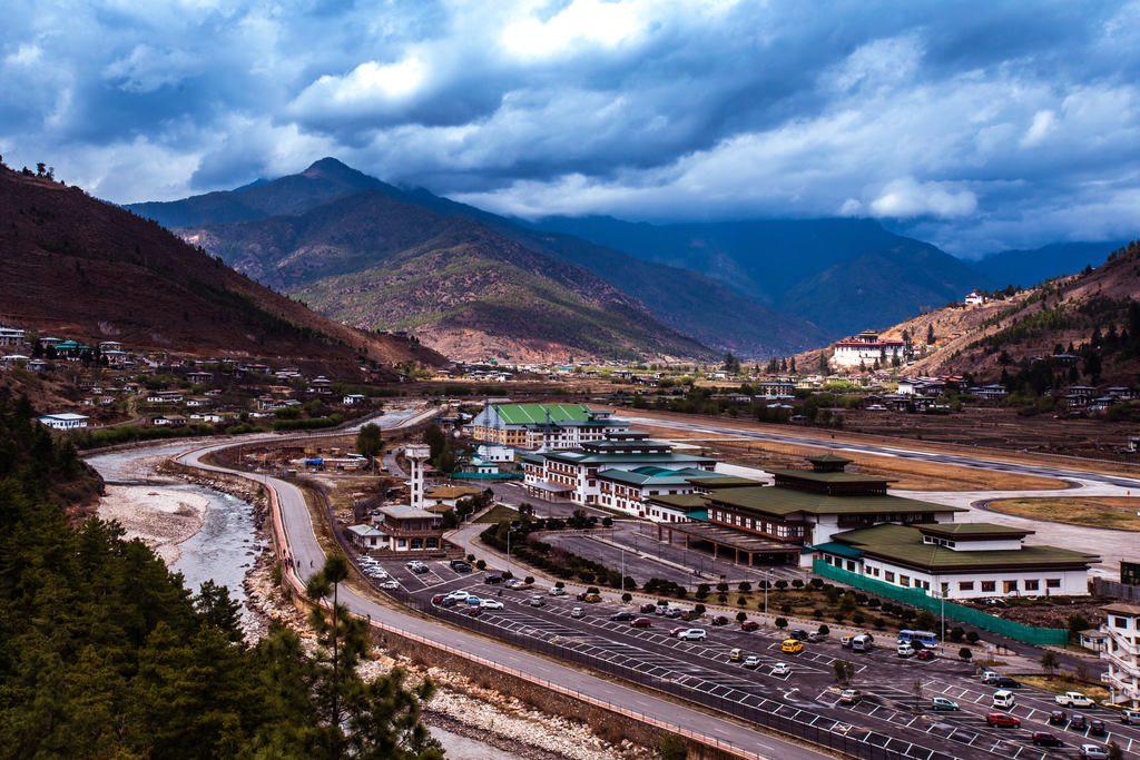 wycieczka-do-bhutanu-samolotem-lotnisko-w-paro-wyrusz-w-zcyiowa-podroz-soul-travel
