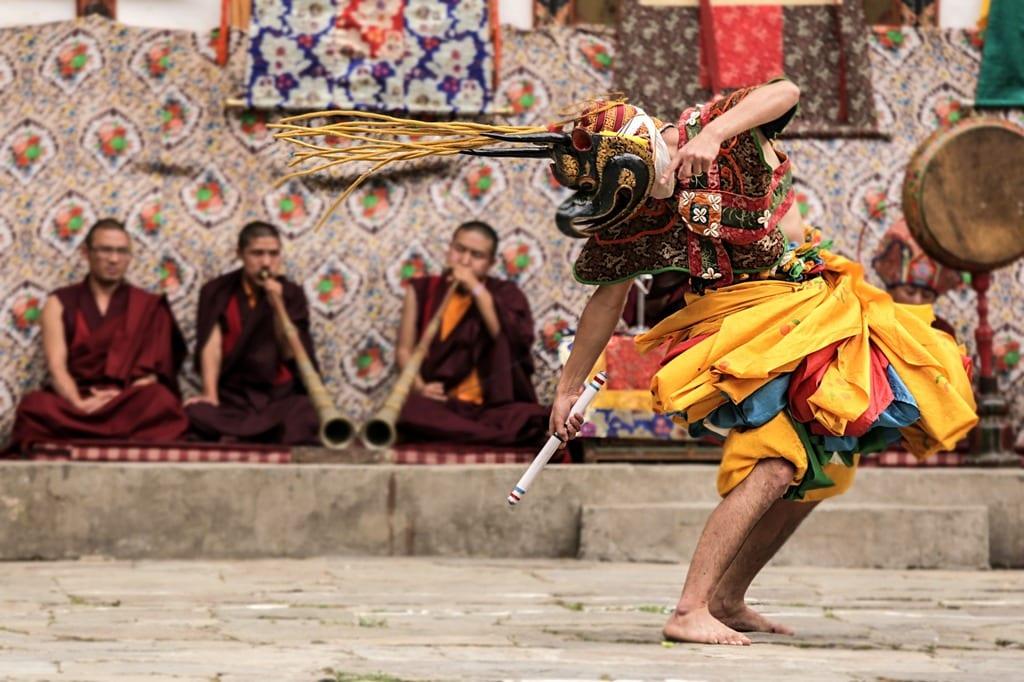 szanuj-lokalna-kulture-i-zwyczaje-festiwal-w-bhutanie-wyrusz-w-zyciowa-podroz-soul-travel