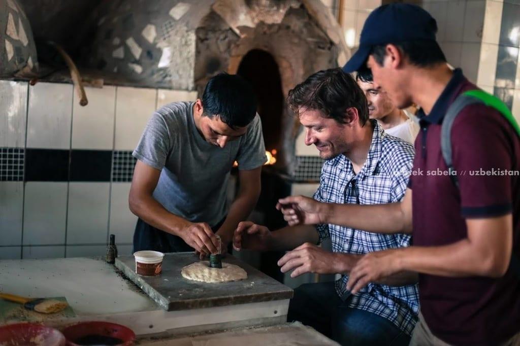 szanuj-lokalna-kulture-i-zwyczaje-rekodzielo-uzbekistan-wyrusz-w-zyciowa-podroz-soul-travel