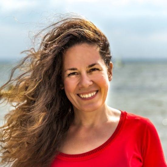 Magdalena Ładanaj to znawczyni Kostaryki. Zwolenniczka filozofii Pura Vida, zabiera Was na wyprawę przez kostarykańskie bezdroża.