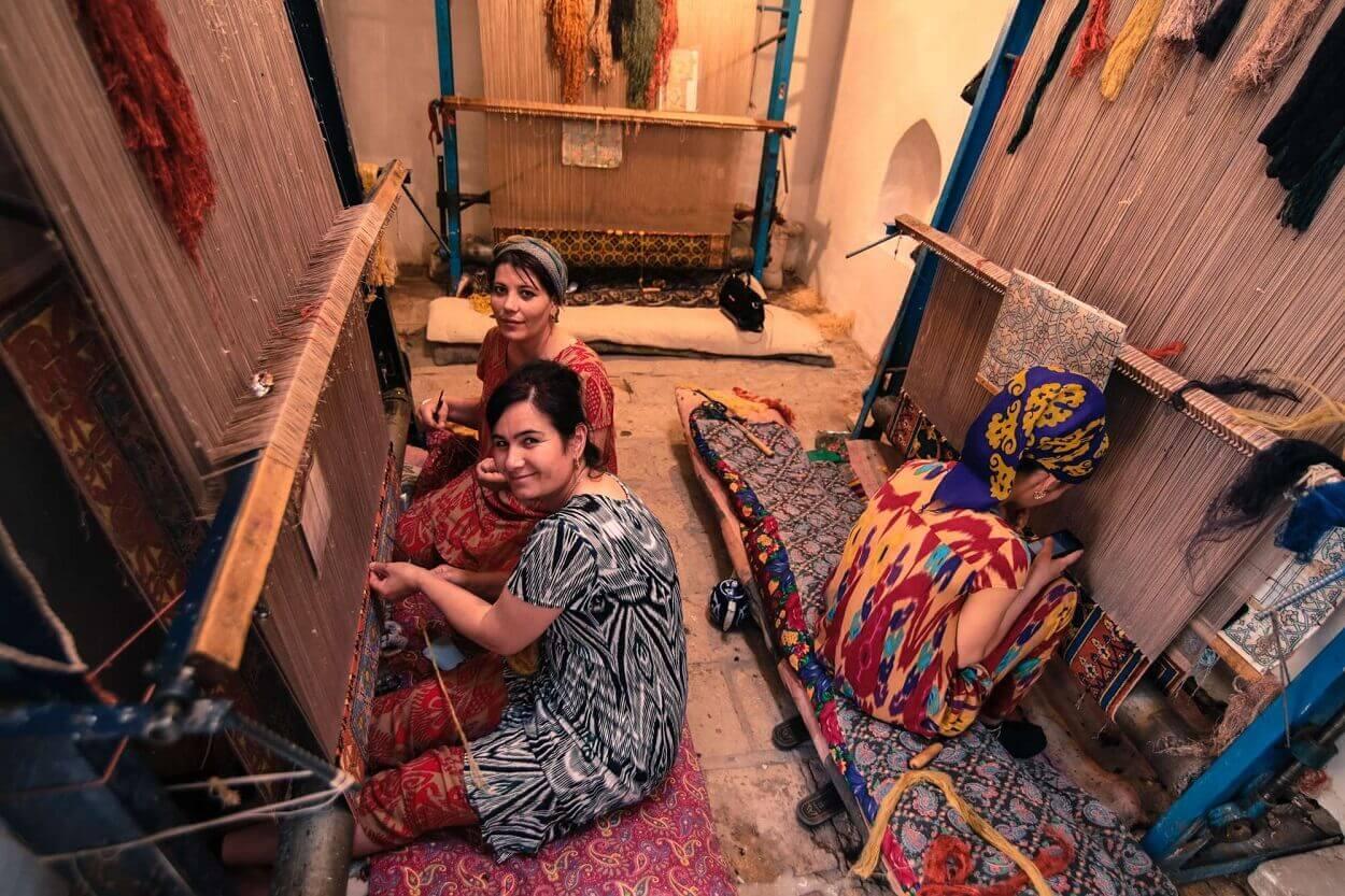 odpowiedzialne-podrozowanie-uzbekistan-rodzinna-manufaktura-wyrusz-w-zyciowa-podroz-soul-travel