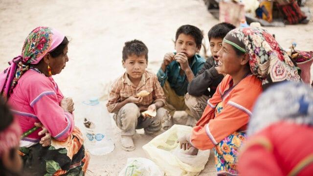indianie-huichol-dzieci-wyrusz-w-zyciowa-podroz-soul-travel