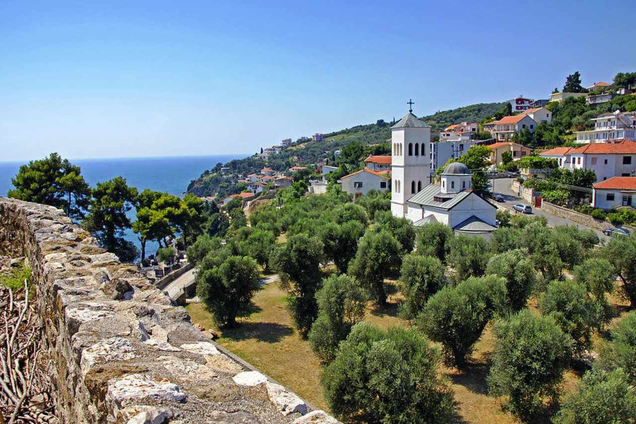 czarnogora-miast-ulcinj-kosciol-wyrusz-w-zyciowa-podroz-soul-travel
